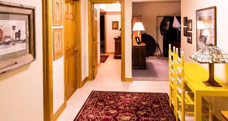 Бяла интериорна врата и какво е нейното предимство?